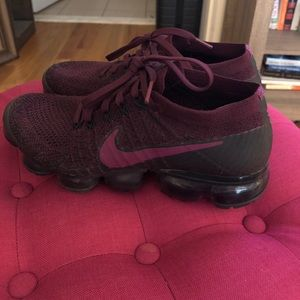 Nike Vapormax in Wine. Size 8.5